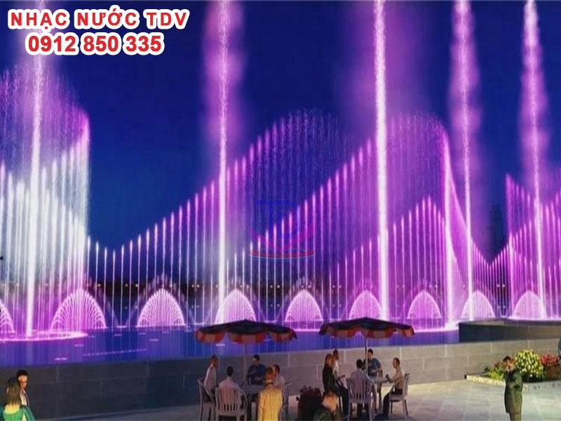 Mẫu nhạc nước phao nổi trên sông hồ 2
