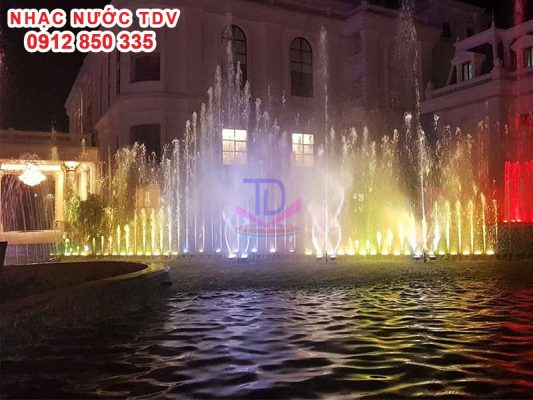 Nhạc nước khách sạn Hoàng Nhâm 4