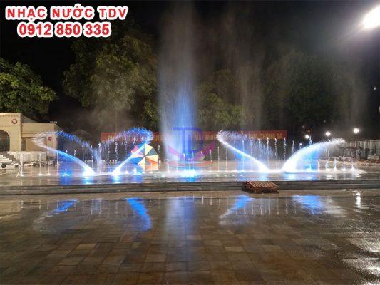 Nhạc nước quảng trường 26/3 TP Hà Giang 13