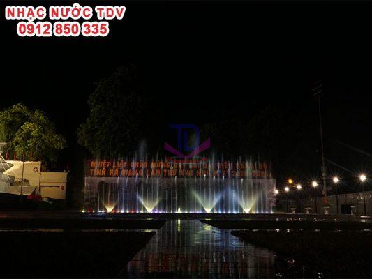 Nhạc nước quảng trường 26/3 TP Hà Giang 8